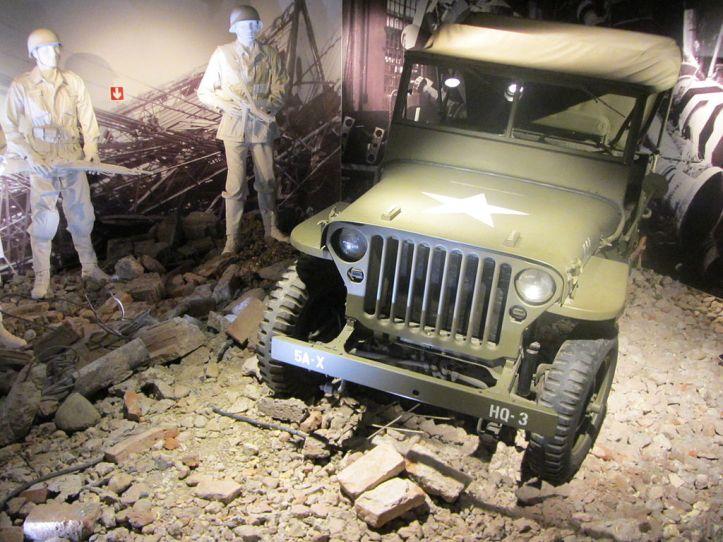 1024px--_01_Museo_Nazionale_dell'Automobile_di_Torino_Jeep_militare (1)